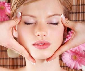 020709 5 300x251 Những lợi ích của massage mặt với phái đẹp.