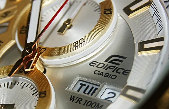 Đồng hồ casio EF 558 SG 7 AV