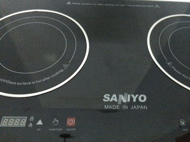 Bề mặt bếp điện đôi từ và hồng ngoại saniyo fh2