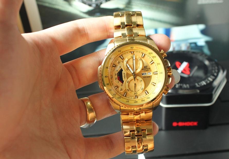 Mặt đồng hồ Casio EF 558 FG 9 AV mạ vàng sang trọng