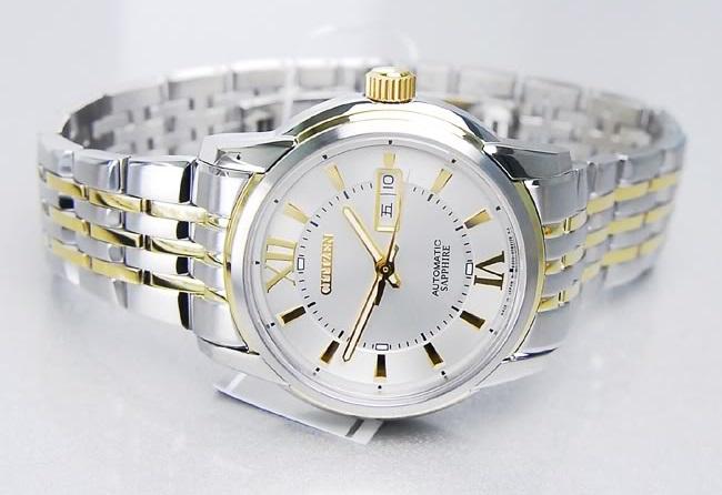Đồng hồ Citizen NH 8338-54A chụp ngang