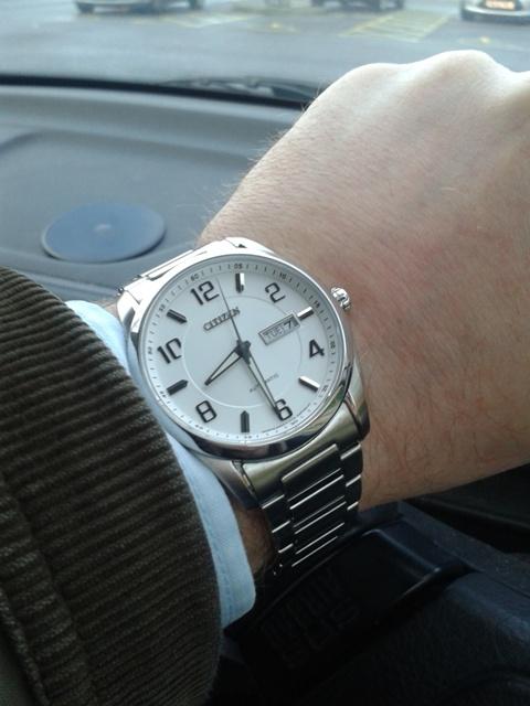 Trên tay đồng hồ Citizen NP4020 51A - vẻ đẹp đến từ sự tinh tế đơn giản