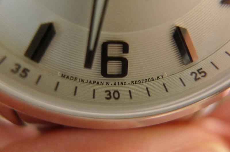 Đồng hồ nam Citizen NP4020-51A thiết kế đơn giản và đẹp mắt
