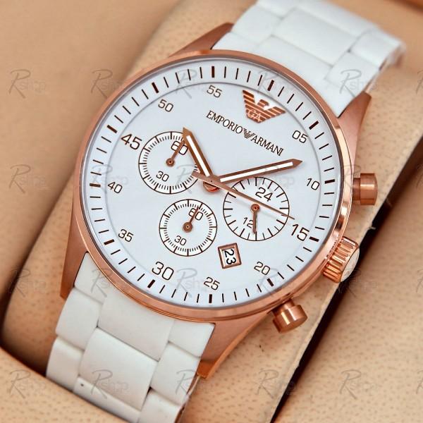Ảnh chụp xéo chiếc đồng hồ nữ Armani AR5920 cao cấp.