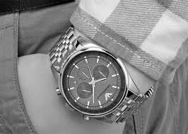 Đồng hồ nam Armani AR5997 mang nét cổ điển điểm nhấn cho quý ông lịch lãm.