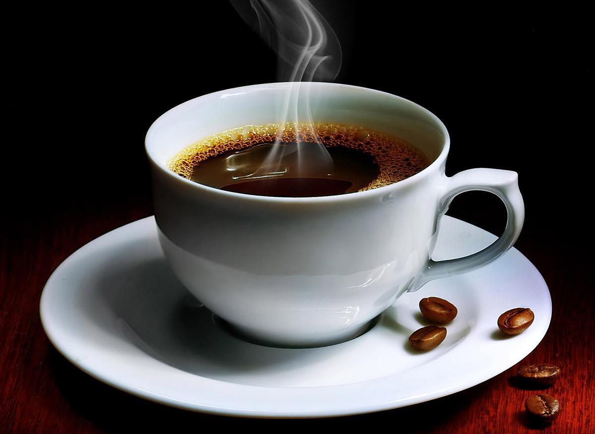 Ly cafe đậm đà nhờ Ấm siêu tốc Fujika 5L