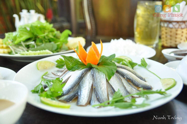 Bếp từ đơn sunhouse shd6861 nấu cá trích ngon
