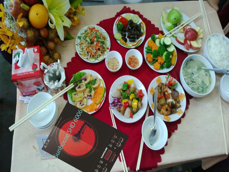 Bữa cơm đầy đủ với bếp hồng ngoại sunhouse SHD 6006