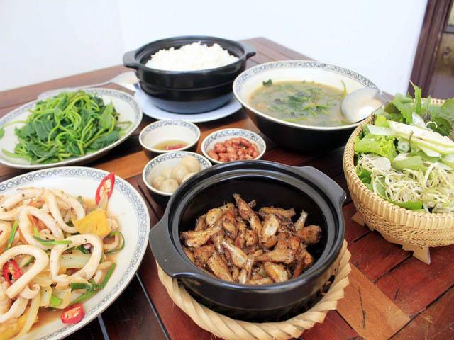 Bếp hồng ngoại sunhouse SHD 6007 phong phú bữa cơm gia đình