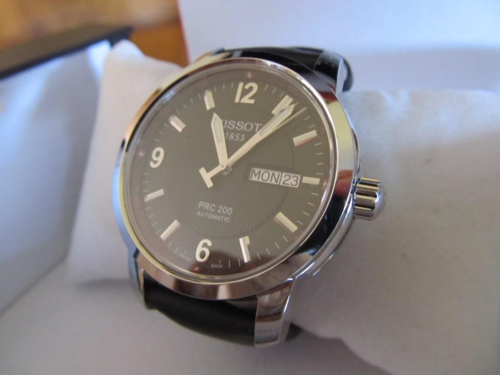Đồng hồ cơ Tissot T014.430.16.057.00 Automatic-sapphier tại Giadungviet.vn