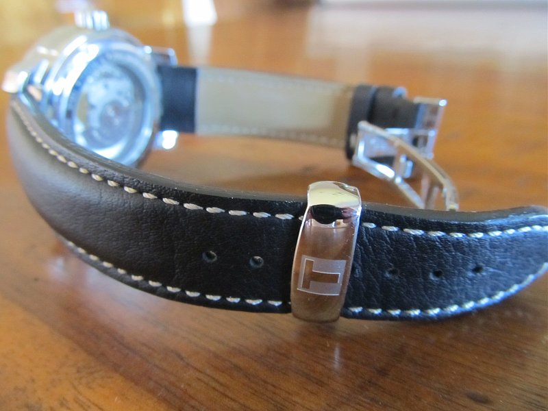 Đồng hồ cơ Tissot 1853 T014.430.16.057.00 chốt kim loại sang trọng