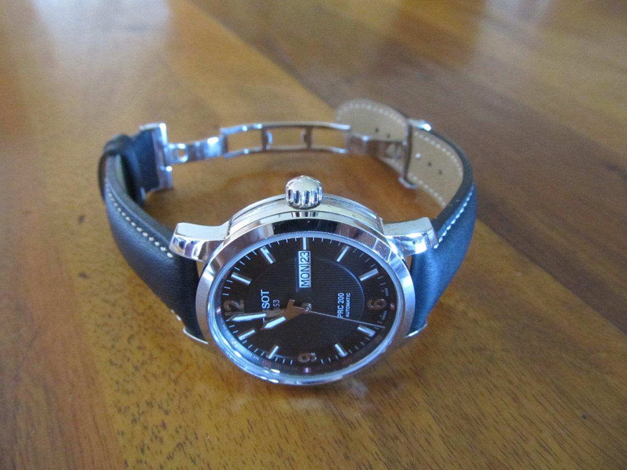 Đồng hồ cơ Tissot 1853 T014.430.16.057.00 dây da chốt bằng hợp kim hiện đại