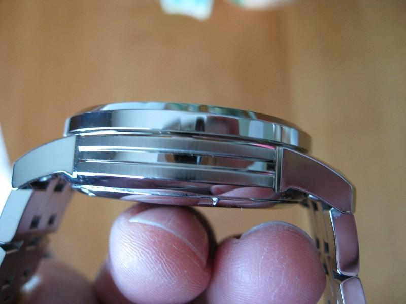 Đồng hồ Tissot T055.417.11.057.00 thiết kế mặt 3 lớp.