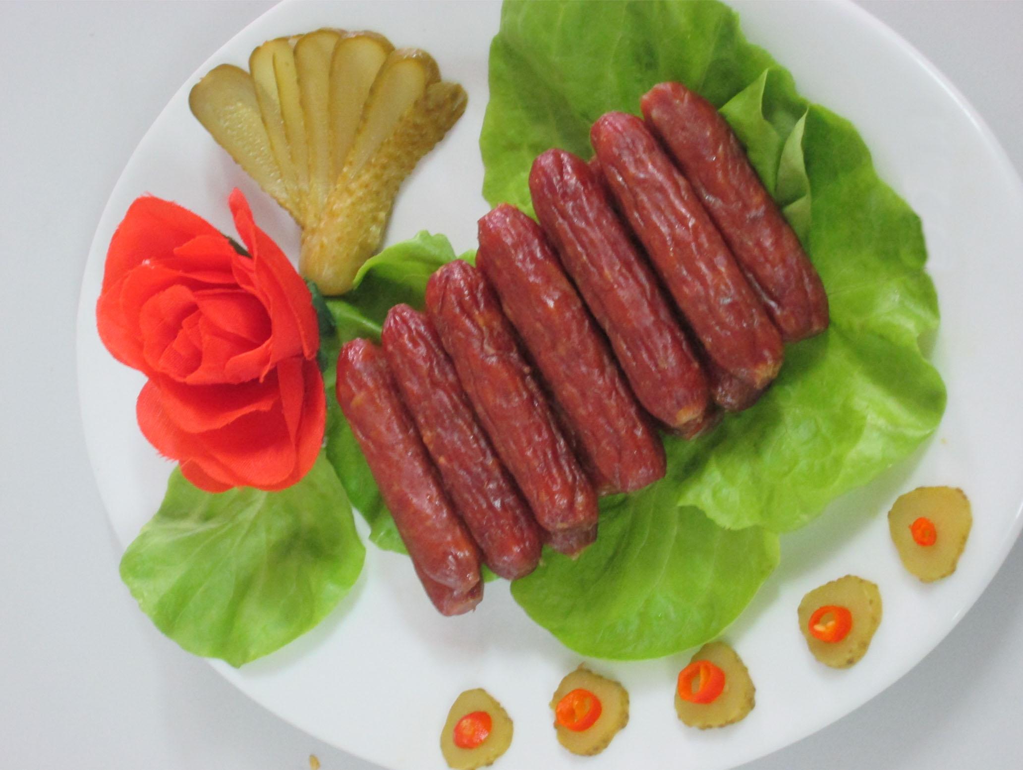 Nhiệt Bếp hồng ngoại Sanaky AT-05HGN tạo món salami khô ngon