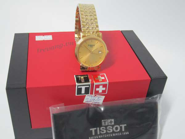 Đồng hồ nam Tissot 1853 T52.5.481.21 chụp từ xa