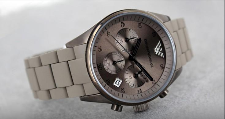 Đồng hồ nam Armani AR5950 chụp ngang