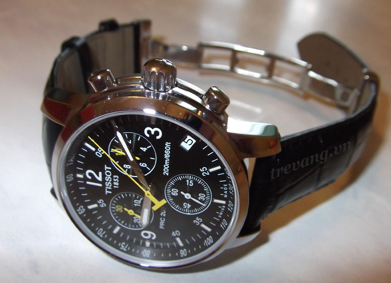Đồng hồ Tissot T17.1.526.52 đẳng cấp trên nền thiết kế truyền thống.