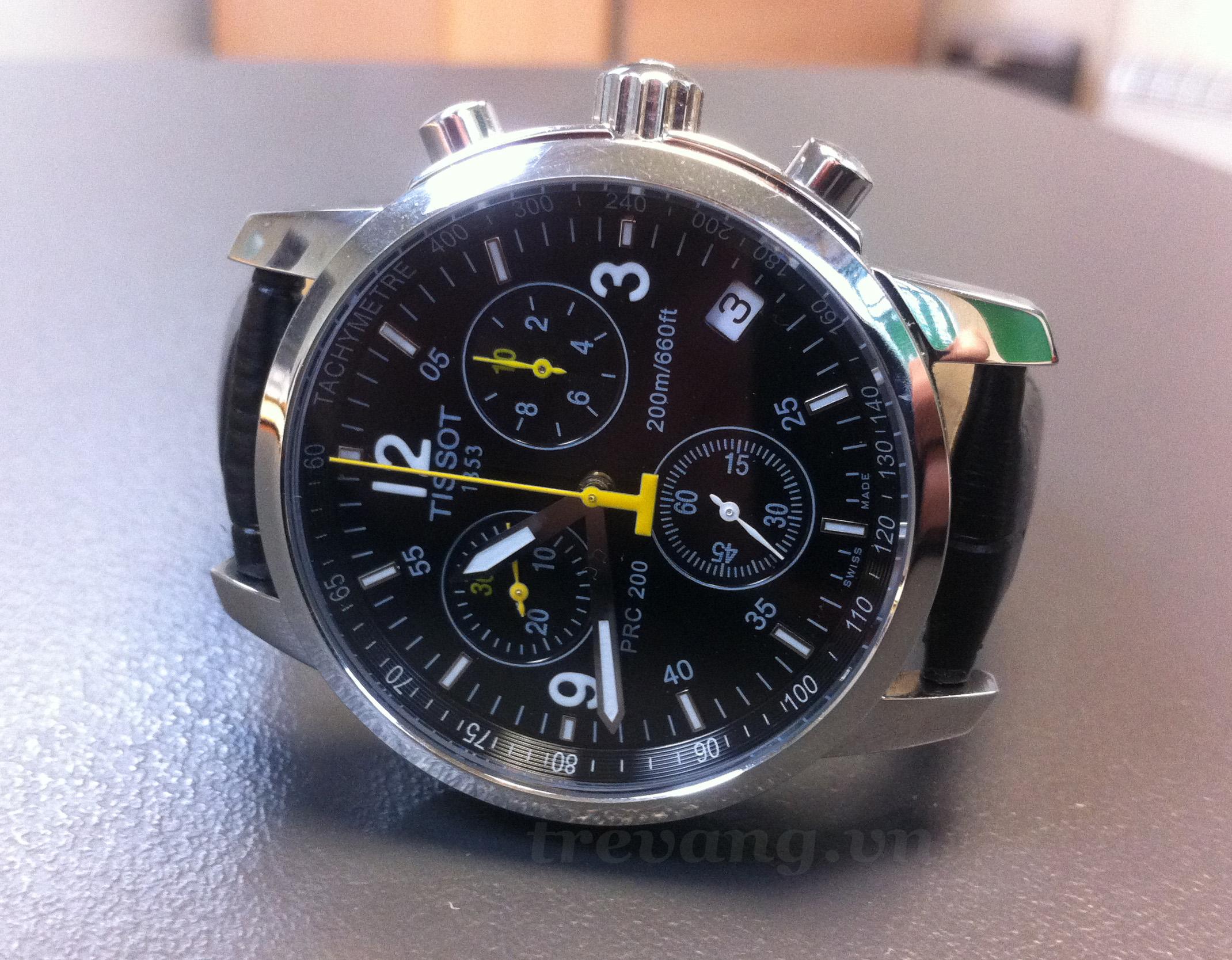 Đồng hồ Tissot T17.1.526.52 kim quay phủ dạ quang.