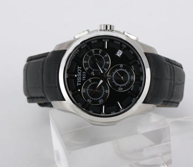 Đồng hồ nam Tissot 1853 T035.617.16.051.00 chụp ngang.