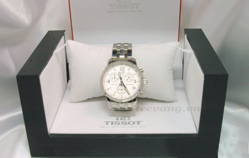 Đồng hồ nam Tissot 1853 T17.1.586.32 và box sang trọng.