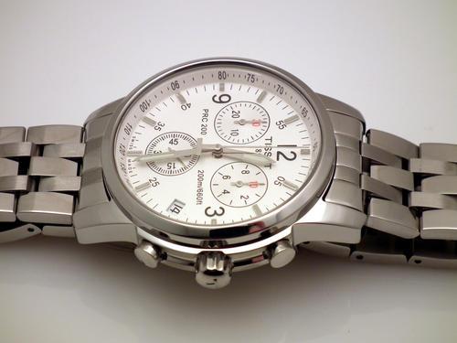 Đồng hồ nam Tissot 1853 T17.1.586.32 T-Sport phong cách khỏe khoắn.