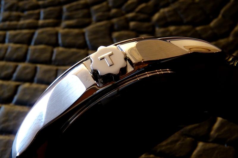 Đồng hồ Tissot 1853 T035.410.16.051.00 chốt tinh tế