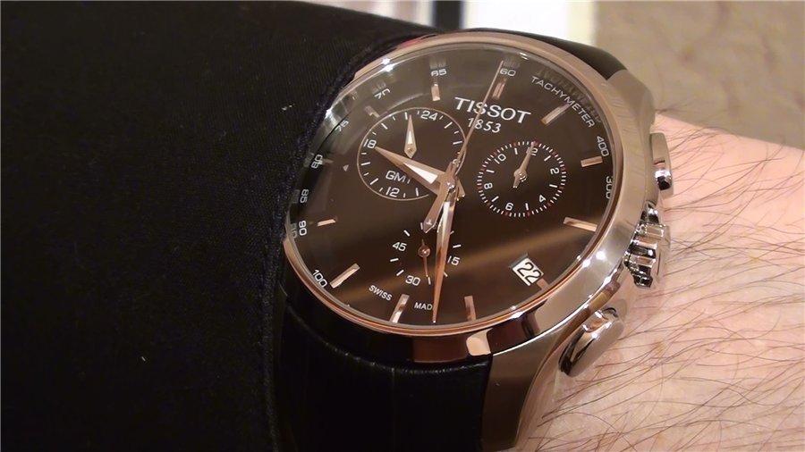 Đồng hồ nam Tissot 1853 T035.439.16.051.00 trên tay mẫu ảnh.