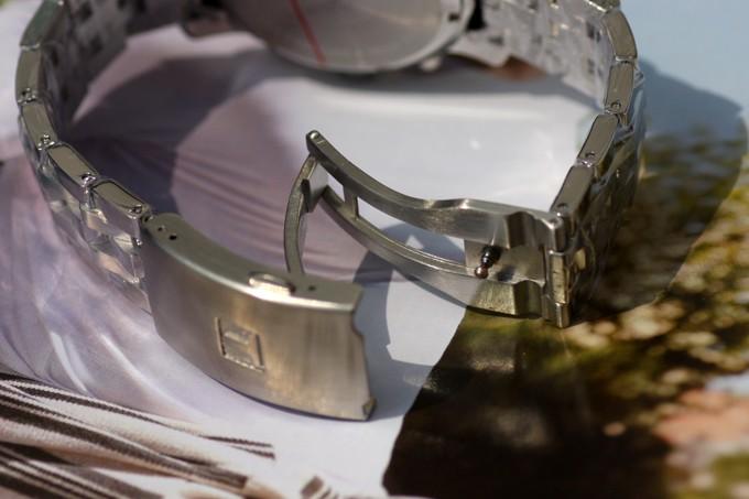 Đồng hồ Tissot nam T17.1.586.42 3 chốt thiết kế gập