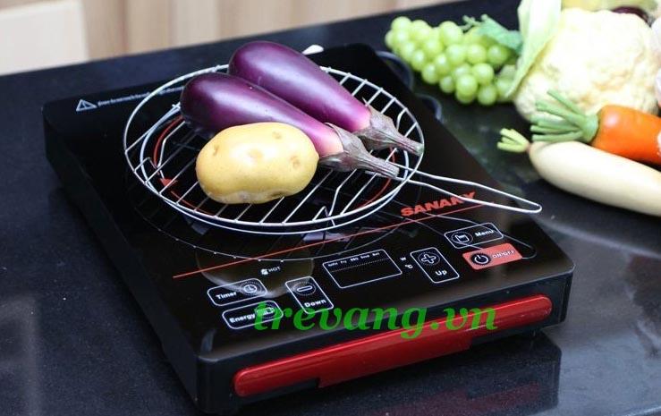 Bếp điện hồng ngoại Sanaky AT-2101 HG tặng kèm nồi lẩu và vỉ nướng