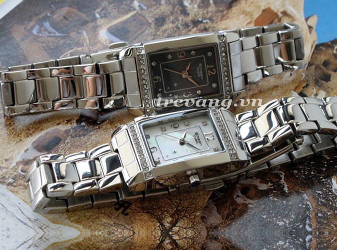 Chụp ngang bộ đôi đồng hồ nữ Casio Sheen SHN-4016D-1A 7A