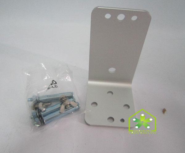Đèn sưởi nhà tắm HE-IT110 kèm theo ốc vít