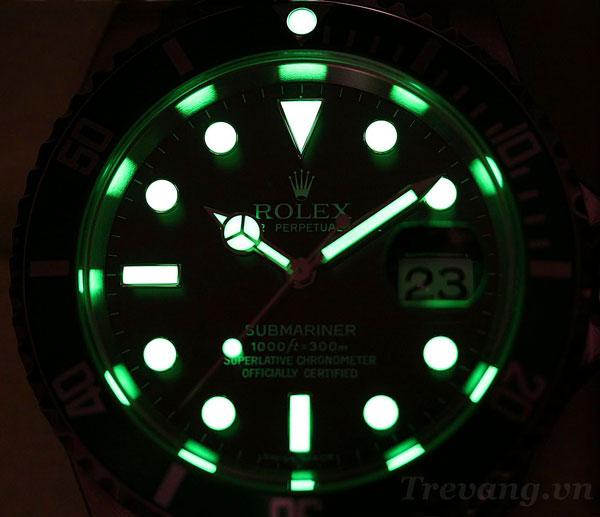 Đồng hồ Rolex nam R.1000 phủ dạ quang nổi bật trong bóng đêm