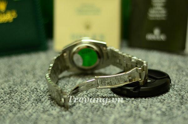 Đồng hồ Rolex R.702 chốt gập chắc chắn