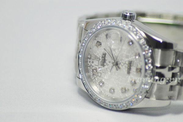 Đồng hồ Rolex R.702 mặt kính chống xước