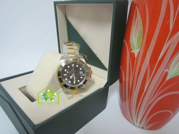 Đồng hồ nam cao cấp Rolex R.1100 trong hộp đựng sang trọng