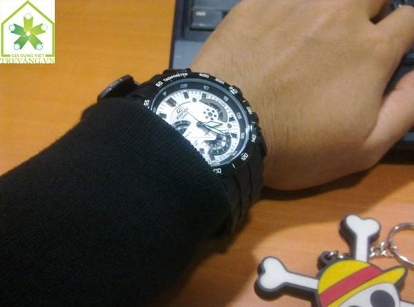 Mẫu ảnh đẹp Đồng hồ nam Casio EF-550BG-1A