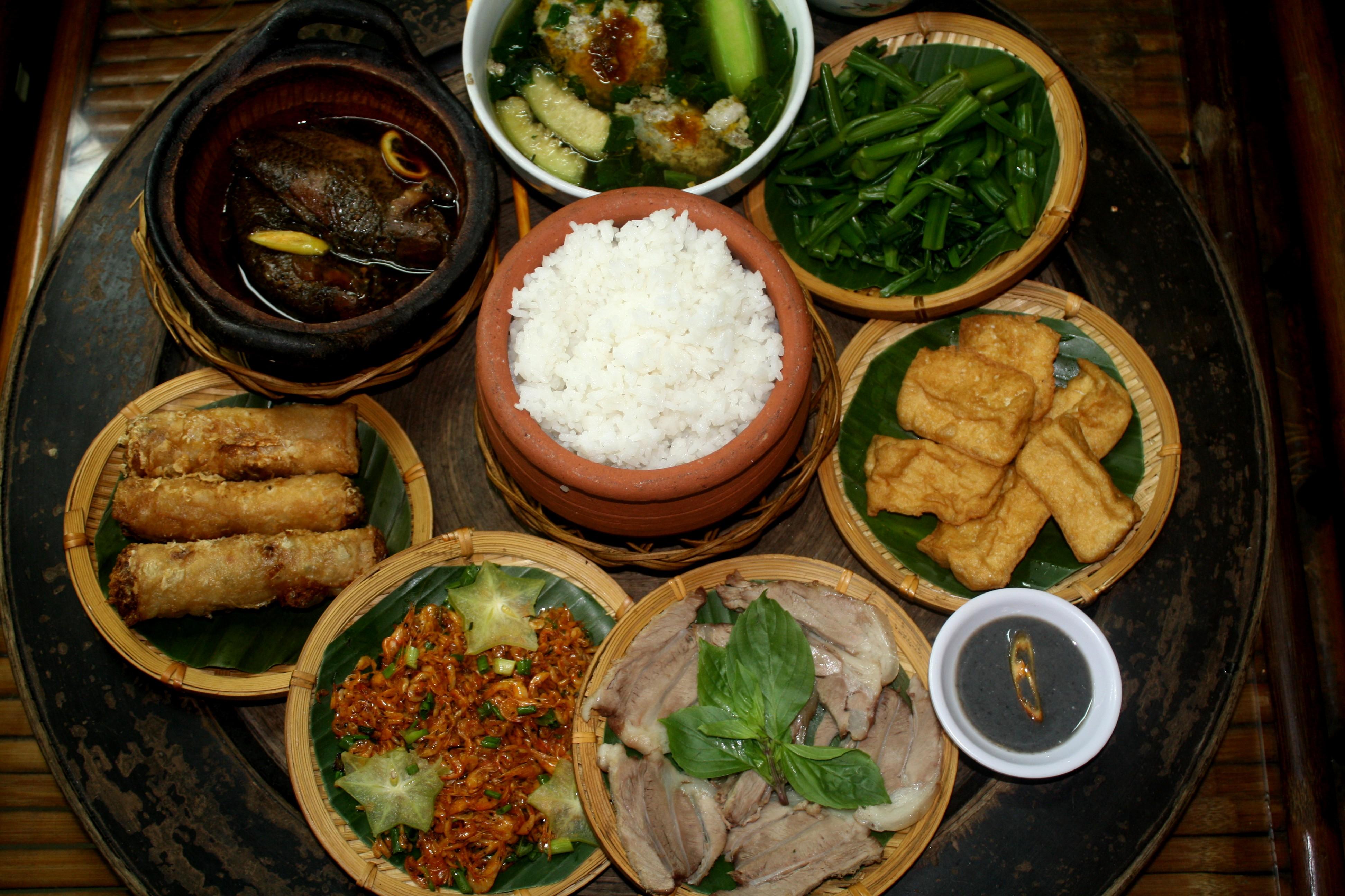 Bếp điện từ hồng ngoại Kangaroo KG359i đa dạng món ăn gia đình