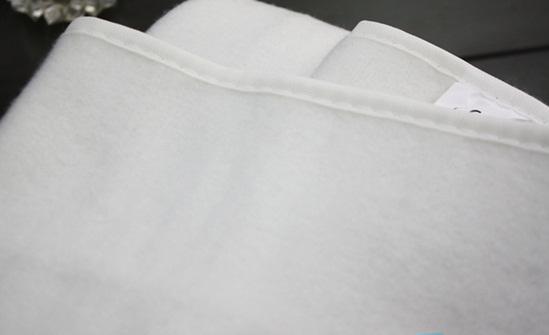 Chăn điện Heizen Đức với chất vải lông mềm mịn.