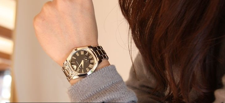 Đồng hồ Armani nữ AR0681 sành điệu thu hút