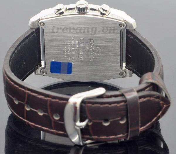 Đồng hồ nam Casio EFR-524L-7A với logo thương hiệu dập chìm