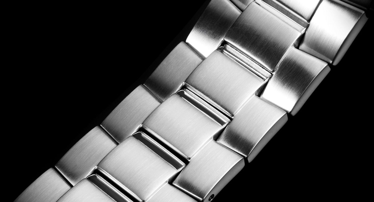 Đồng hồ Casio EFR 528RB-7A dây hợp kim
