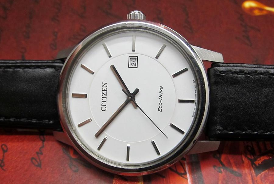 Đồng hồ Citizen EW1560-56A mặt kính chống xước