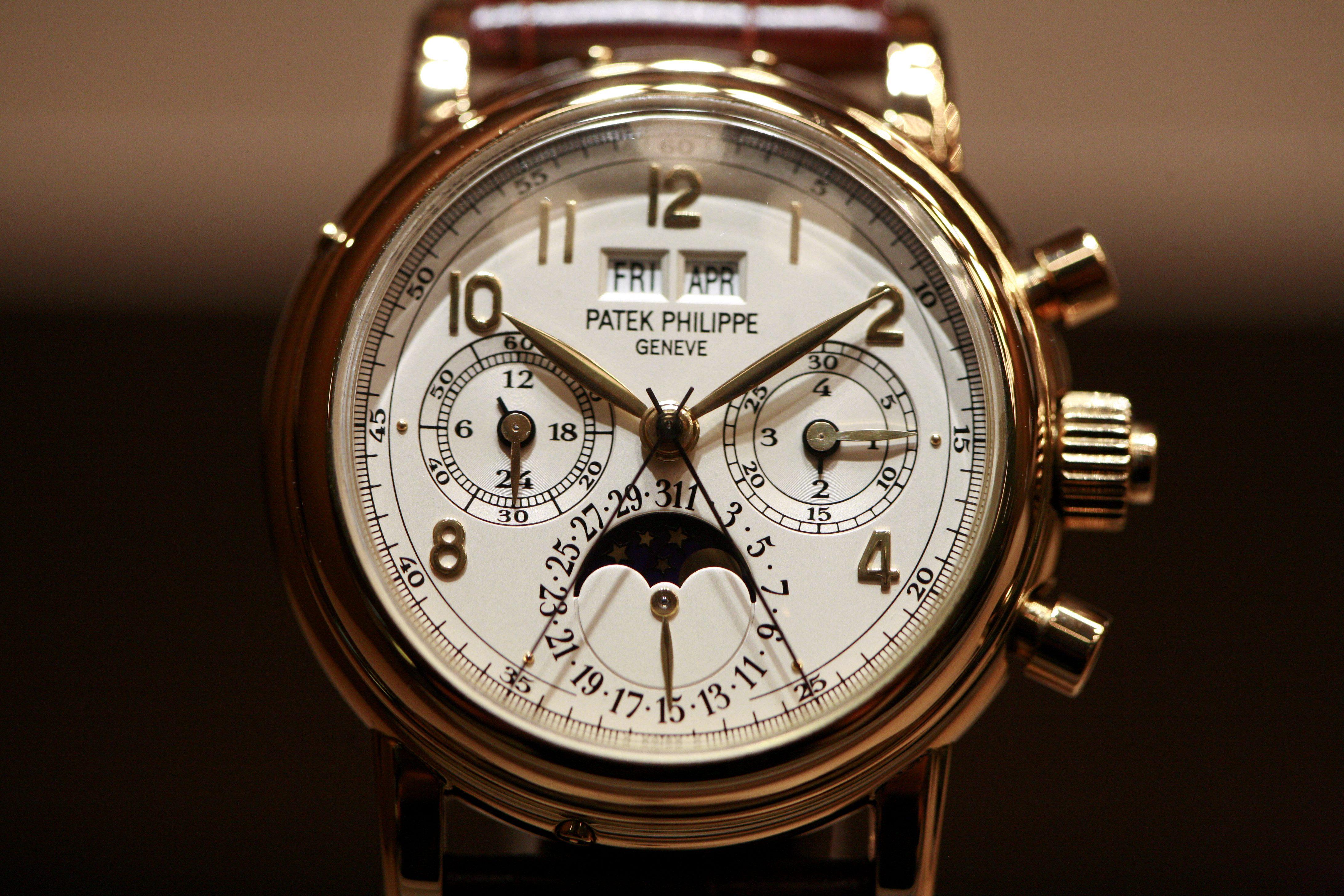 Patek-PhilippeGiải đáp ý nghĩa đồng hồ  kim chỉ 10 giờ 10 phút