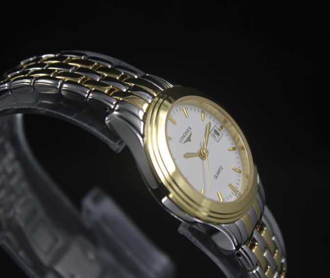 Đồng hồ Longines L4.774.3.00.6 chụp xéo