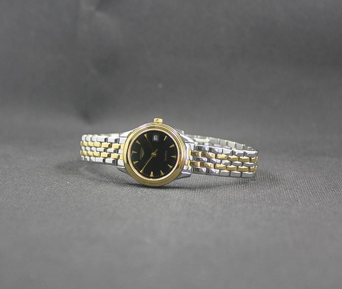 Đồng hồ Longines L4.774.3.00.2 đẹp ở mọi góc nhìn