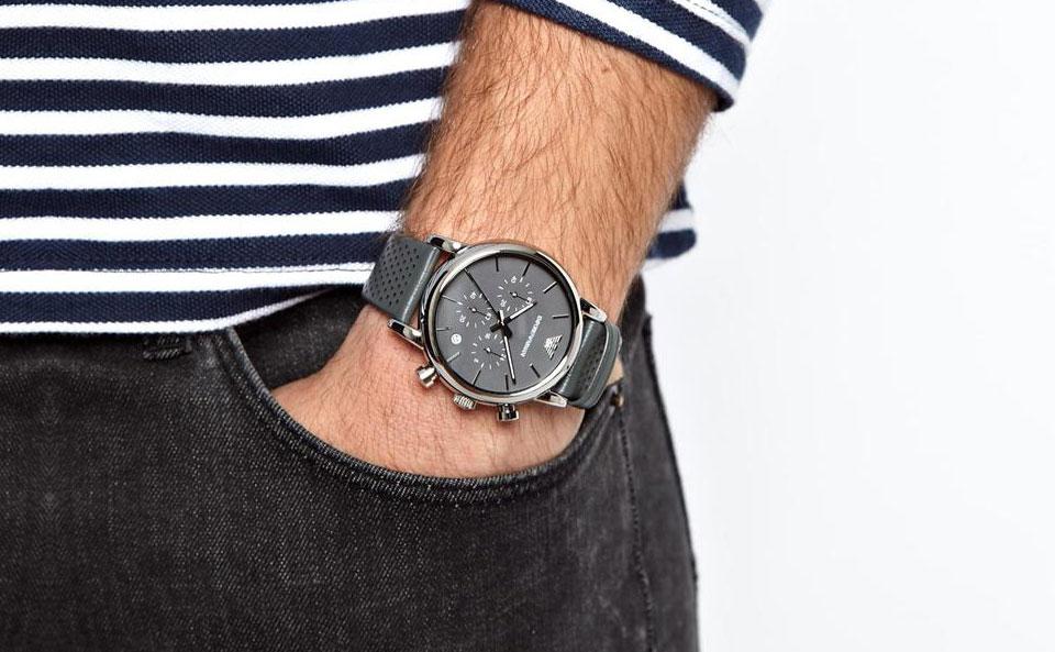 Đồng hồ Armani AR1735 sang trọng trên tay