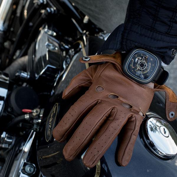 Đồng hồ Sevenfriday P2-2 mạnh  mẽ đeo tay