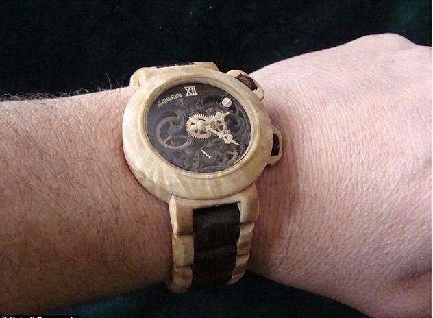 Đồng hồ nam bằng gỗ