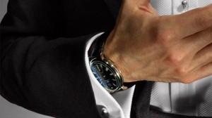 Nên mua đồng hồ đeo tay loại nào tốt?