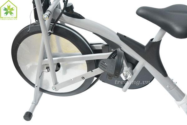 Xe đạp tập thể dục Titan khung chắc chắn